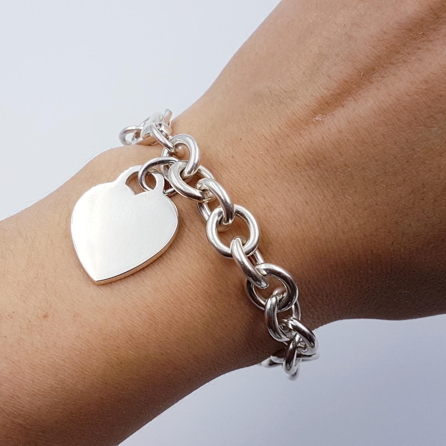 <b>Tiffany & Co.</b> Engravable Heart Charm Bracelet 7.5